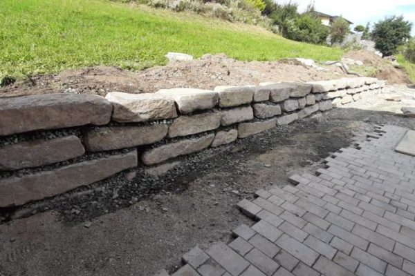 Zarfl Erdbau Steinmauer (2)