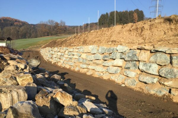 Erdbau Zarfl Steinmauern (2)